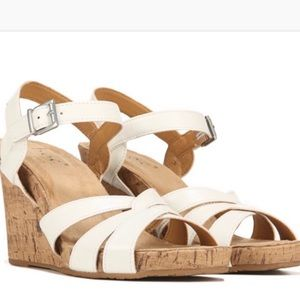 NIB B.O.C. Apple White Cork Wedge Sandals